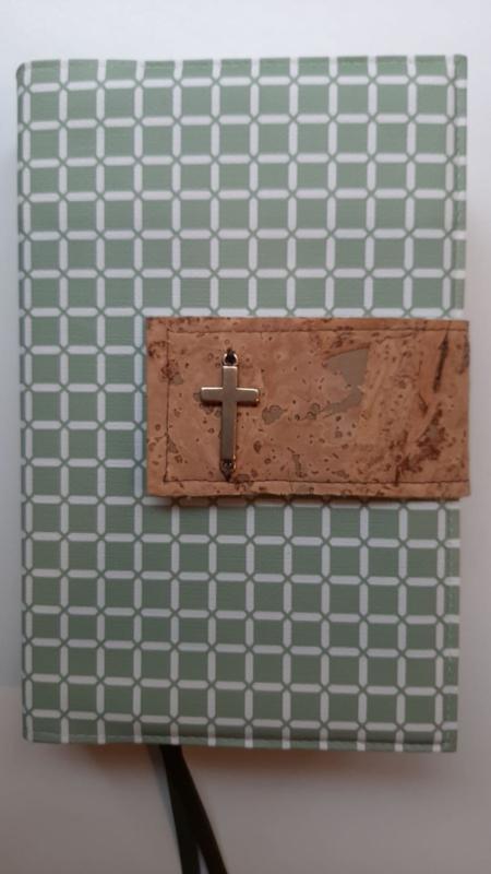 Weerklank liedbundel, Oud groen wafel met sluitlip van kurk