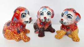 Hondjes van keramiek -rood
