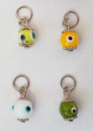 boze oog hangertje (geel/okergeel/wit/groen)