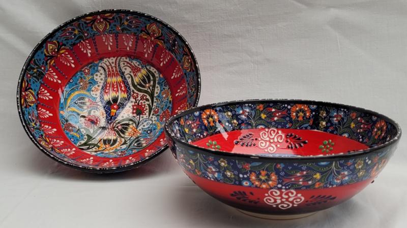 keramieken schalen 20cm rood/blauw