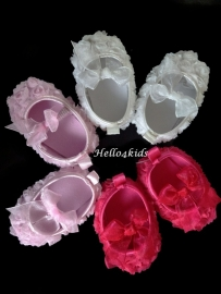 Baby schoentje met roosjes maten 0- 12 mnd