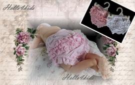 Broderie luierbroek/onderbroek voor baby in roze of wit