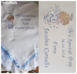 Blauwe jongens doopdeken Biddend Engeltje Nu met Gratis slabbetje