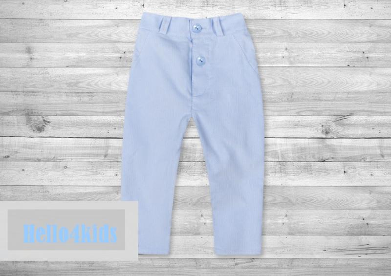 Lichtblauw corduroy broekje