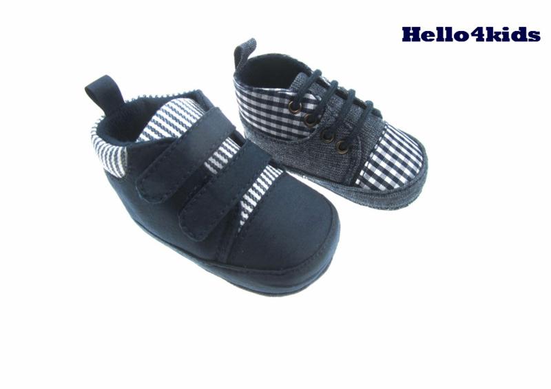 baby sneakers geblokt of gestreept