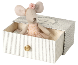 Dance mouse on daybed, Maileg