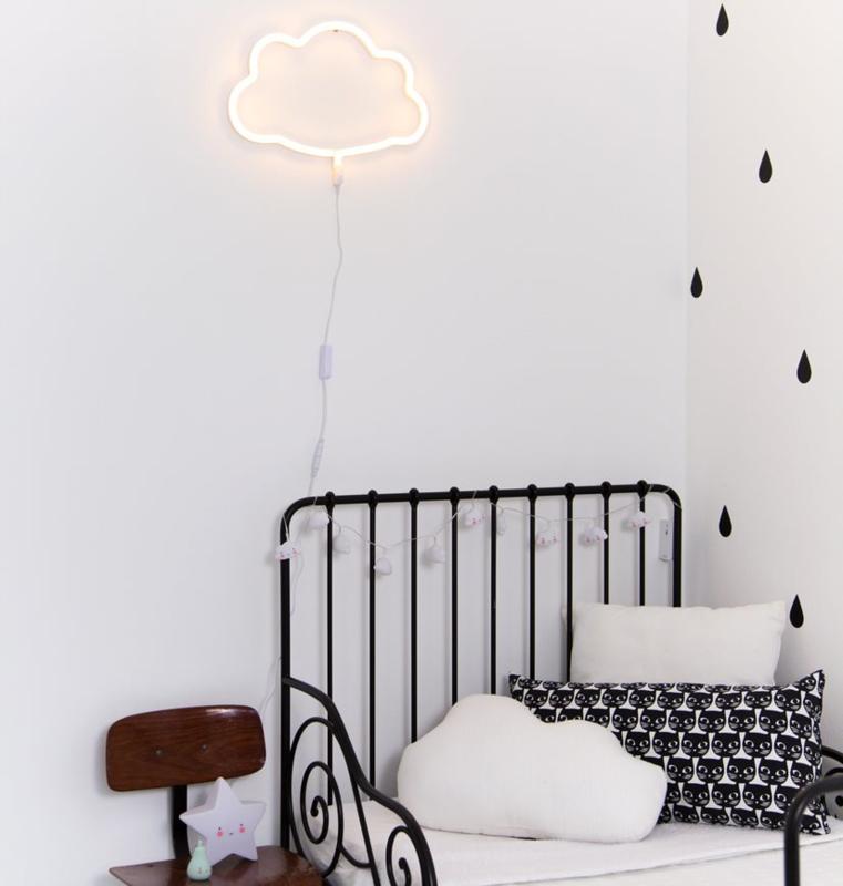 Neon light, wolk, A Little Lovely Company