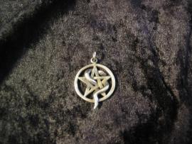 Hanger Pentagram met Slang