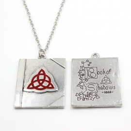 "Ketting ""Book of Shadows"""