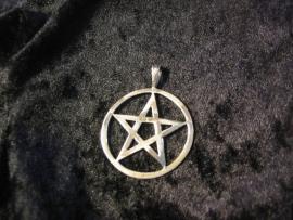 Hanger Pentagram met Cirkel