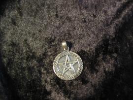 Hanger Pentagram met Keltische Rand