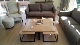 Moderne salontafel met bijzettafeltjes