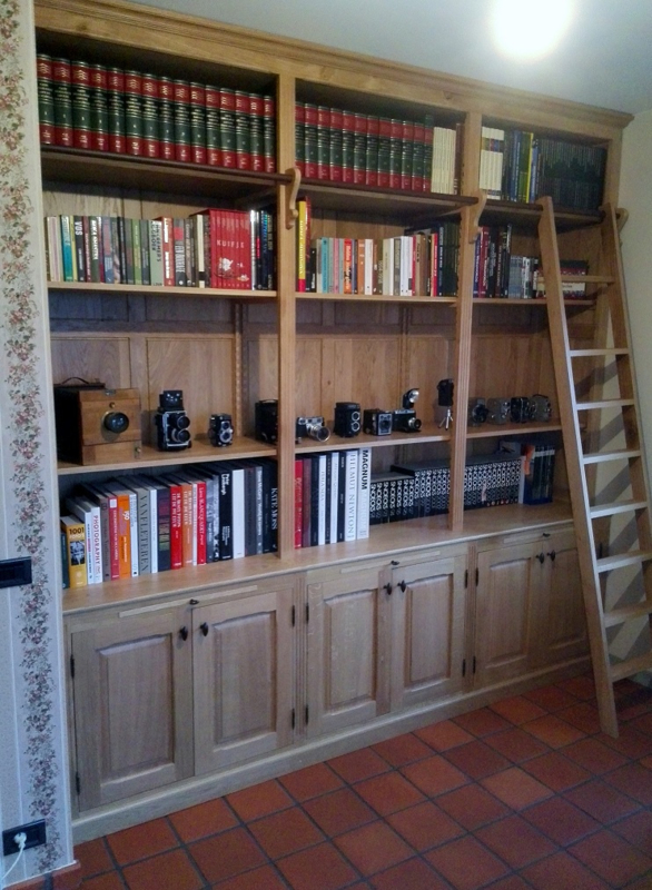 Landelijke Boekenkast Met Trap.Landelijke Boekenkast Meubelen Op Maat Ab Wooddesign