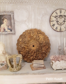 Oude Plafond Ornament
