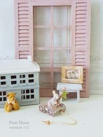 Brocante Trekkarretje met Roze wieltjes