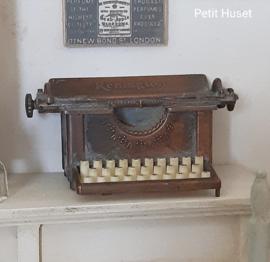 Renington Typemachine