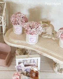 Verweerd Potje met Roze Bloemen