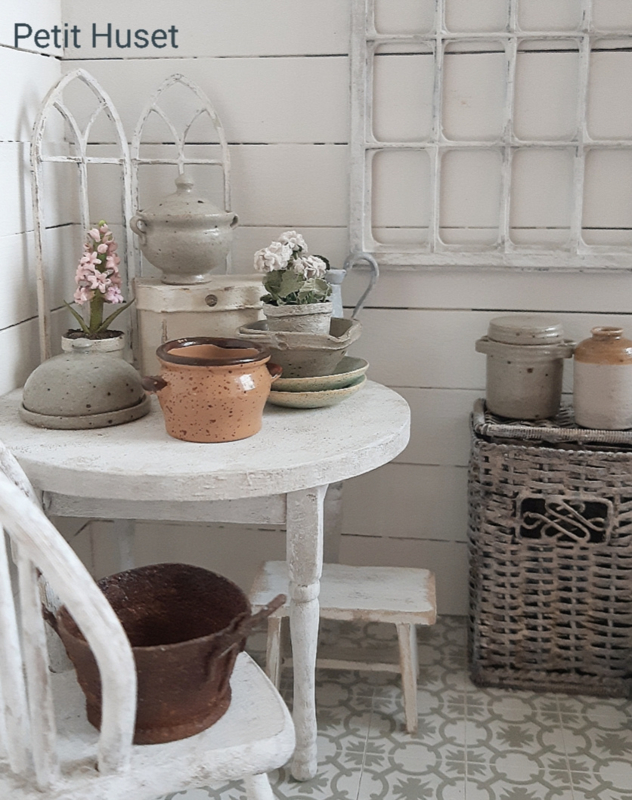 Oude Pot met Frans Uiterlijk
