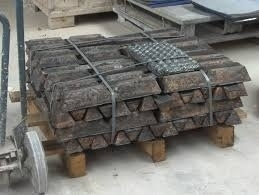Gietbrons RG-7 per blok coquille van ca 10Kg.