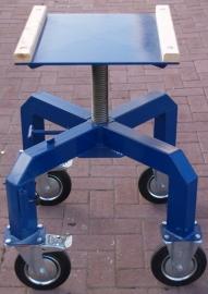 * Beeldhouwbok staal 55 -> 85 cm hoogte