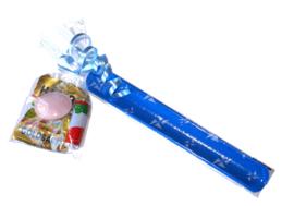 Klaparmband met zakje snoep