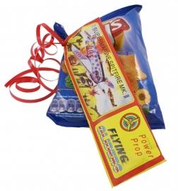 Chips of popcorn met vliegtuigje