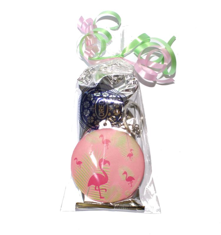 Zakje Oreo koekjes met flamingo sleutelhanger