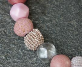 Stephisimo - Korte Ketting met Extra Grote Handgemaakte Kralen - Bollywood Blossom Roze (KK-ST-1706)