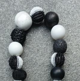 Stephisimo - Korte Ketting met Extra Grote Handgemaakte Kralen - Bollywood Zwart Wit (KK-ST-1820)