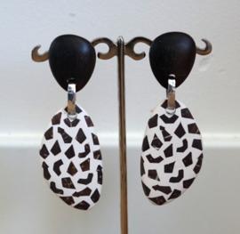 Culture Mix - Oorbellen met hangers van kokosnoot met hars - Astrid ( O-CM-1901)