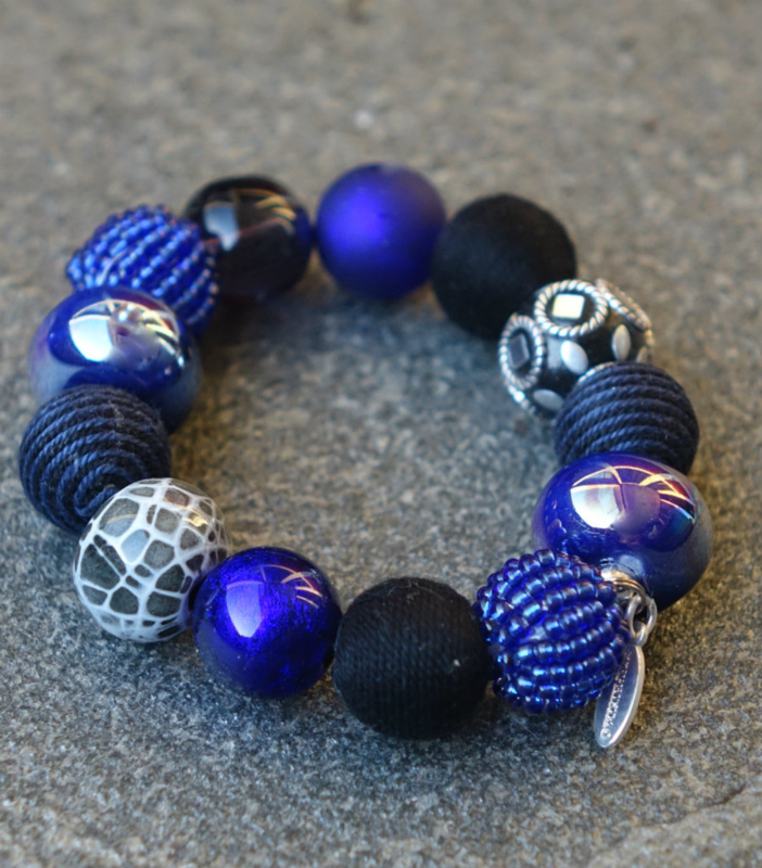 Stephisimo - Armband met Grote Handgemaakte Kralen - Bollywood Blauw Zwart  (A-ST-1702)