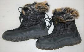 Zwarte snowboots-40