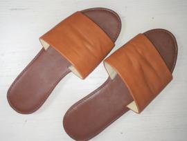 Bruine slippers-39