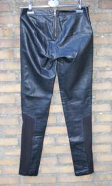 Only zwarte pu broek-36