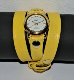 Wikkel horloge goudkleurig met gele leren band