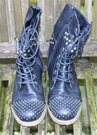 Kayla shoe zwarte veterboots met studs-39