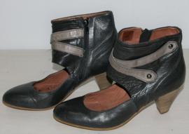 Carmens  zwarte laarsjes-39
