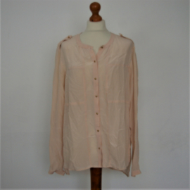 Claudia Sträter peach blouse-40