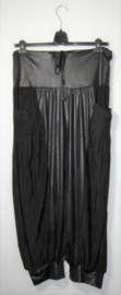 Magna Fashion zwarte broek-44-46