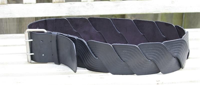 Zwarte bewerkte riem