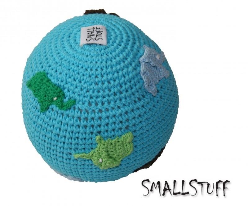 SmallStuff Design. Zachte speelgoedbal met olifantjes patroon blauw