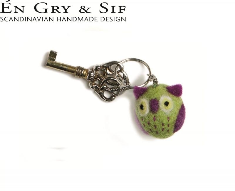 Sleutelhanger met groen paars uiltje