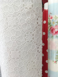 tafelzeil bloemetjes kant, wit