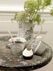 Greengate Stoneware Dora white latte cup