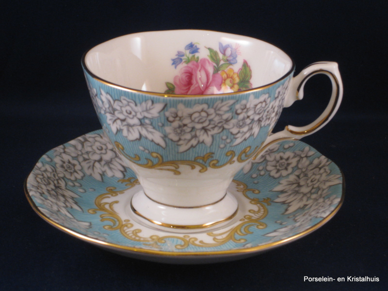 Royal Albert Servies Blauw.Royal Albert Enchantment Kop En Schotel Klein Royal Albert
