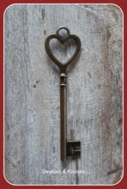 Sleutelbedel brons groot hartvormig