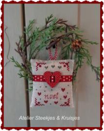 "Kerstkussentje ""Houten hart Rood"""