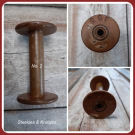 Oude houten klos no. 2