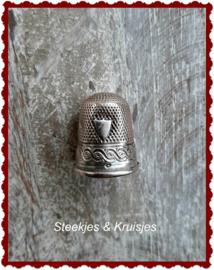 Zilveren vingerhoed no. 3