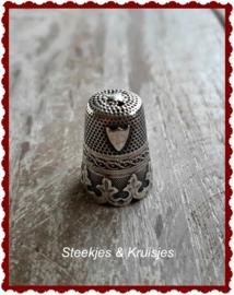 Zilveren vingerhoed no. 1